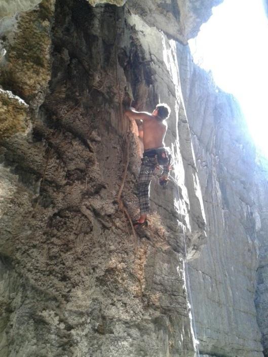 Koch afirma que a escalada de uma rocha equivale à concentração que se atinge na meditação